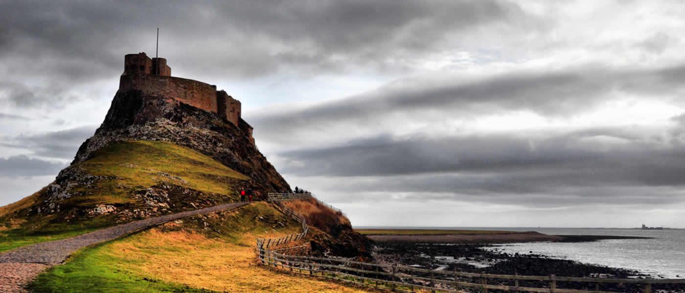 Holy Island, Alnwick Castle & Northumbria Tour
