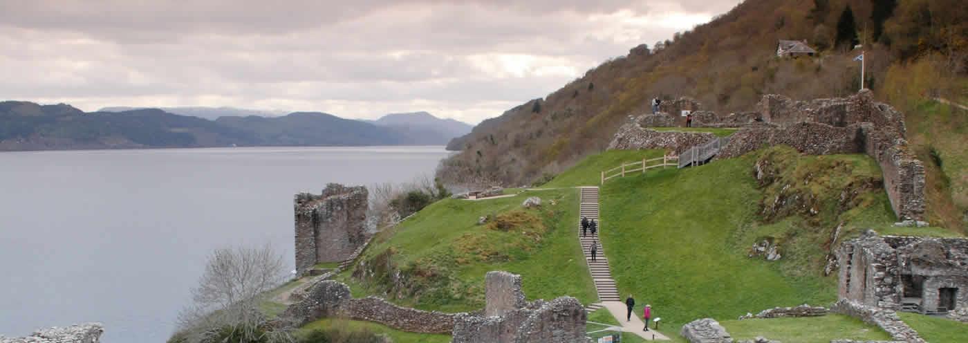 Loch Ness & Urquahart Castle